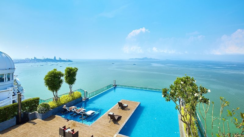 1 Bedroom Duplex Apartment in Wong Amat Tower, 50m from the beach with Sea Views, casa vacanza a Tha Thaewawong