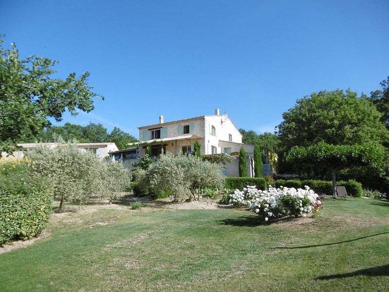 Le Mas de Belle Combe, vacation rental in Vaucluse