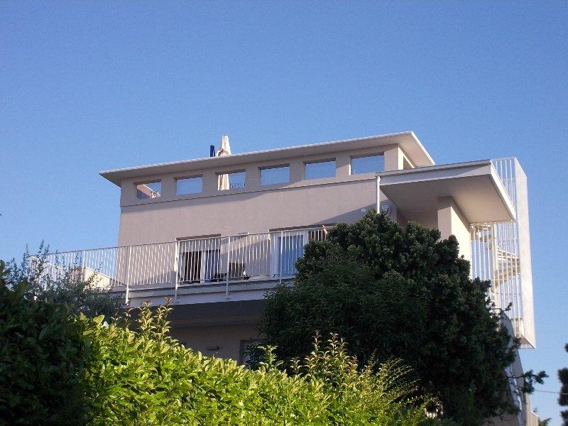 GARDASEE-EMOTION TOP VISTA LAGO, location de vacances à Peschiera del Garda