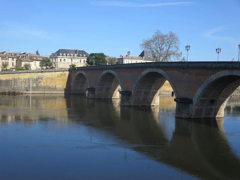 The beautiful old bridge across the river Dordogne