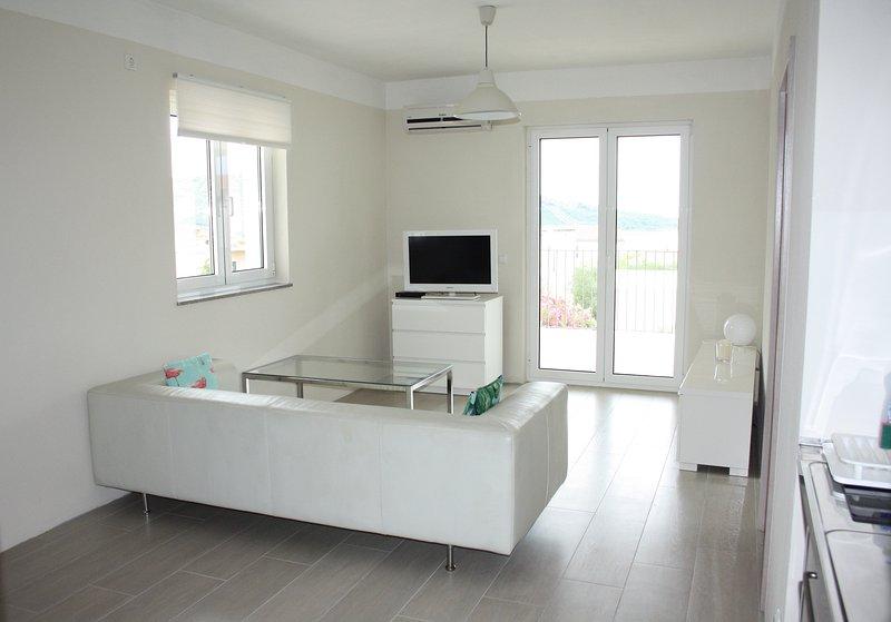 Days@Sea Beach Apartments, holiday rental in Primosten