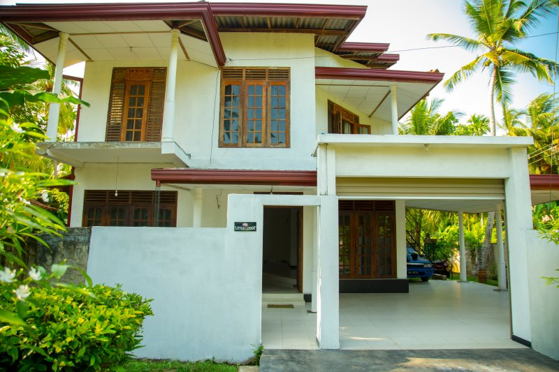 Lotus Lodge - 3 Bed Villa Ahangama, holiday rental in Ahangama