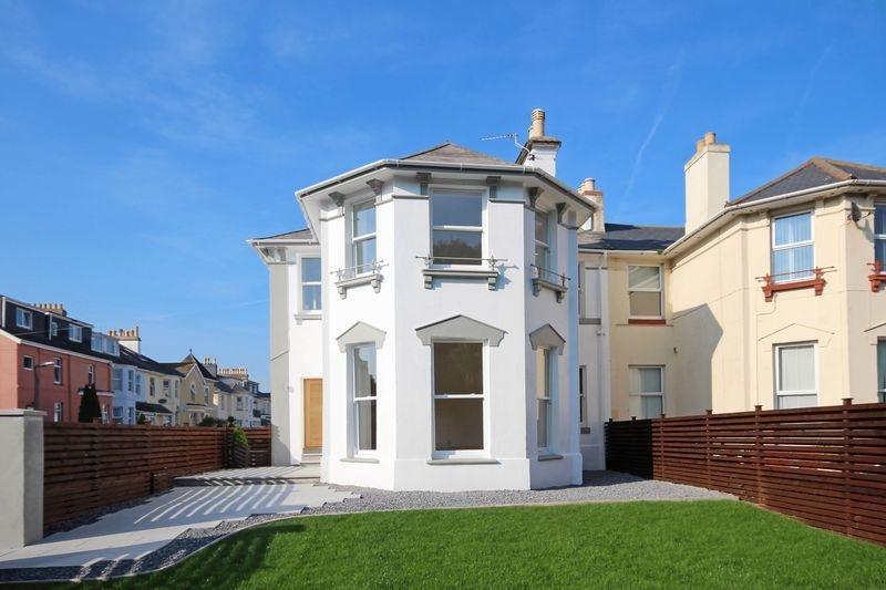 Sands Road, 4 Bed Luxurious House, close to Paignton Beach, Harbour & Town, location de vacances à Paignton