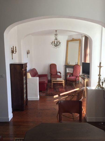 Appartement Style Bourgeois refait à neuf, holiday rental in Biarritz