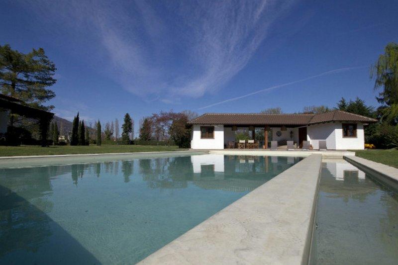 Eigen Swimming Pool