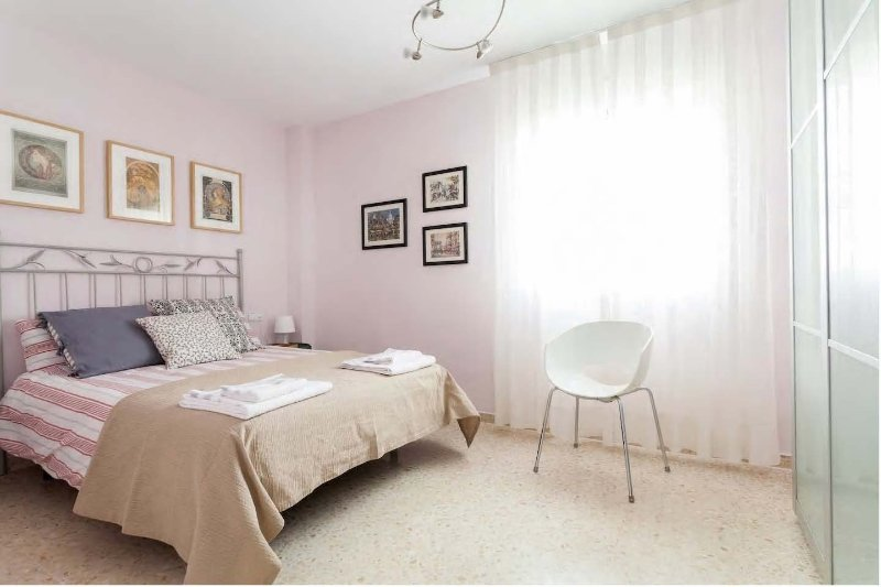 APARTAMENTO JARDIN DE SANTA PAULA - FREE CONT. BREAKFAST - PARKING (15€/DAY)-, location de vacances à Almaden de la Plata