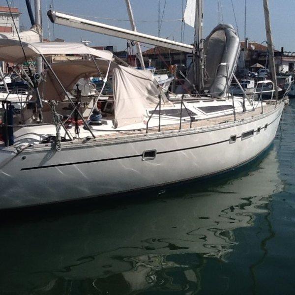 Malta BOAT AND BREAKFAST with OPTIONAL SAILING. 13 meters yacht, Ferienwohnung in Ta' Xbiex