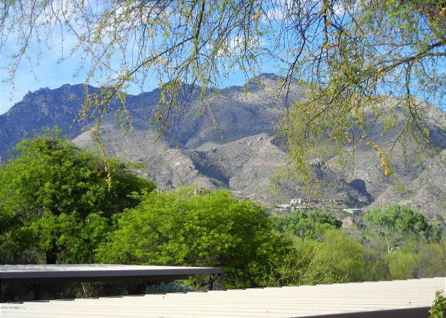 Model 3 Bedroom Second Floor with Stunning Mountain Views, holiday rental in Tucson