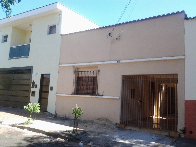 residência completa Vila tiberio, holiday rental in Ribeirao Preto