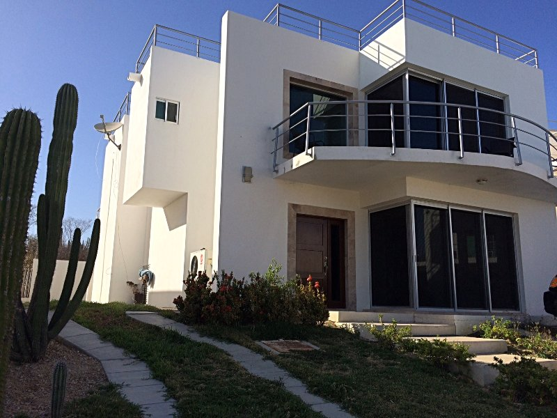 casa contemporânea totalmente remodelada