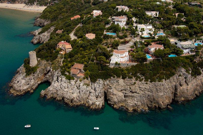 villa con piscina e vista a 180° sul mare, aluguéis de temporada em Gaeta
