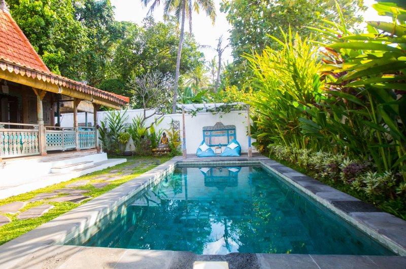 privater Pool & Gärten