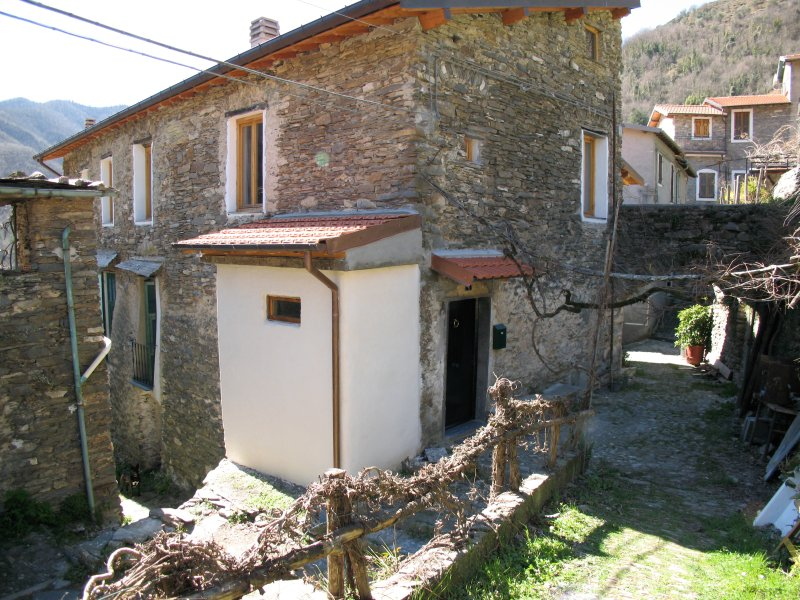 Traditional Italian House, holiday rental in Tende
