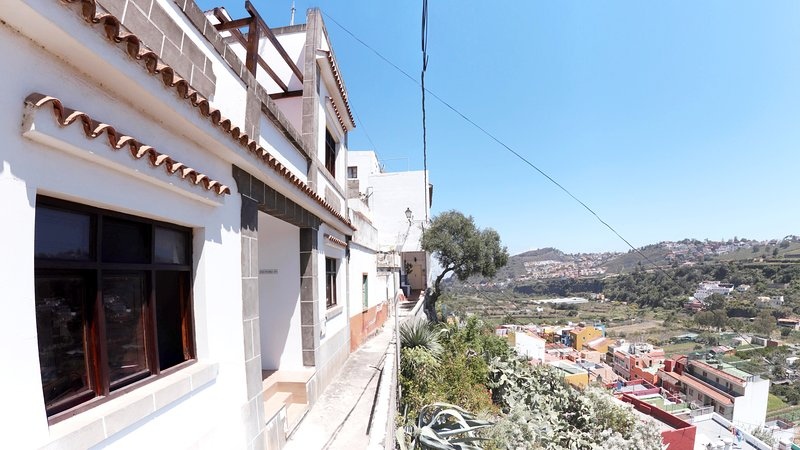 Beautiful holiday home with a great view for outdoor enthusiasts, holiday rental in Tafira Baja