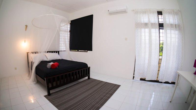 12-Zoll-hochwertige Matratze mit romantischem Schlaf Netz für einen komfortablen und unvergesslichen Nacht Aufenthalt!
