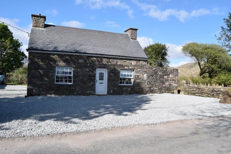 Annie's Cottage - Ring of Kerry Sneem / Castlecove Wild Atlantic Way – semesterbostad i Sneem