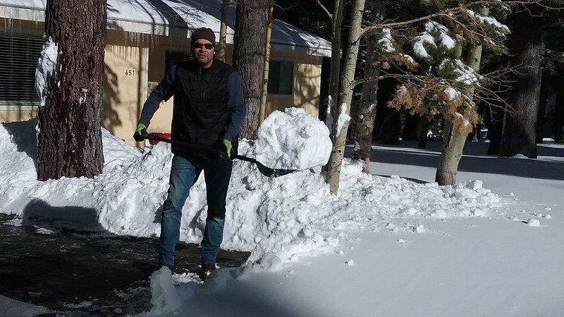 Limpiar después de finales de nieve de la noche .... Qué divertido + Hermoso también!