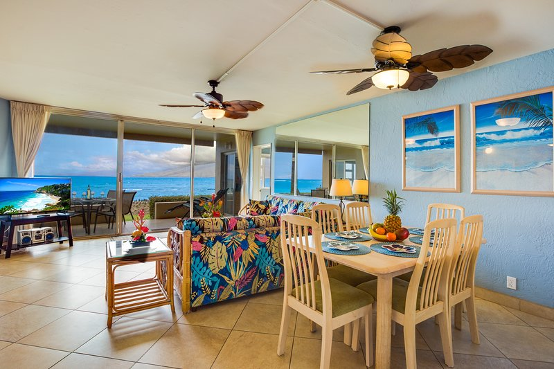 Oceanfront Paradise! Awesome Views! Ground floor! A/C Throughout!, holiday rental in Kihei