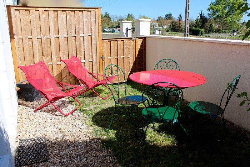 TRES BEAU  GITE MEUBLE DE TOURISME 2 * SELLES S/ CHER, vacation rental in Chatillon-sur-Cher
