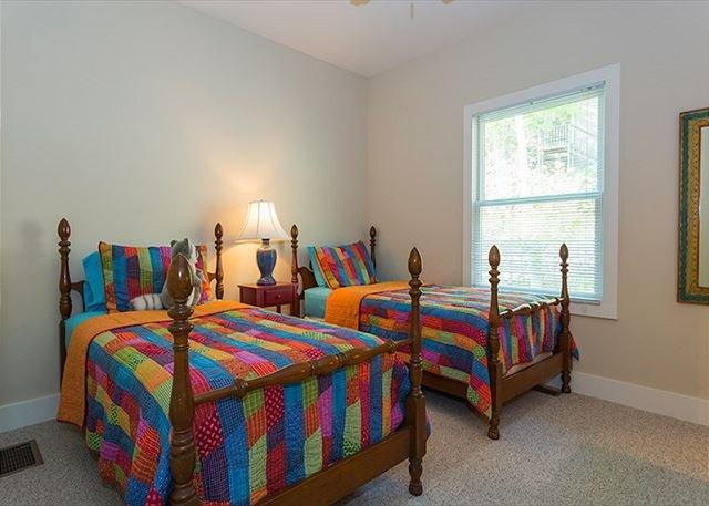3 ° camera da letto w / 2 gemelli