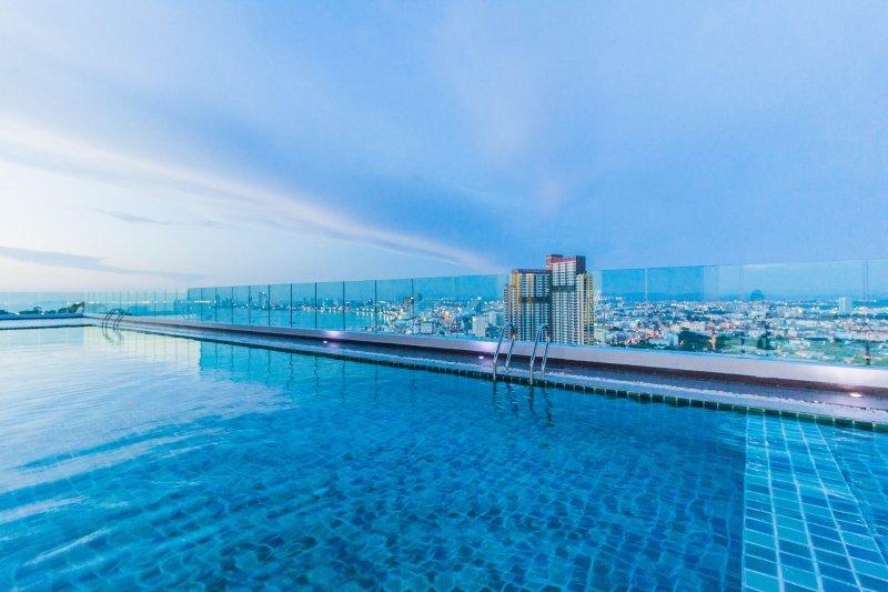 Luxury 1 Bedroom Apartment Vision Condominium Pratumnak Cosy Beach, holiday rental in Pattaya