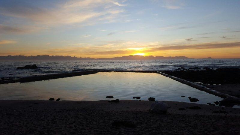 St James Gezeiten-Pool bei Sonnenaufgang.