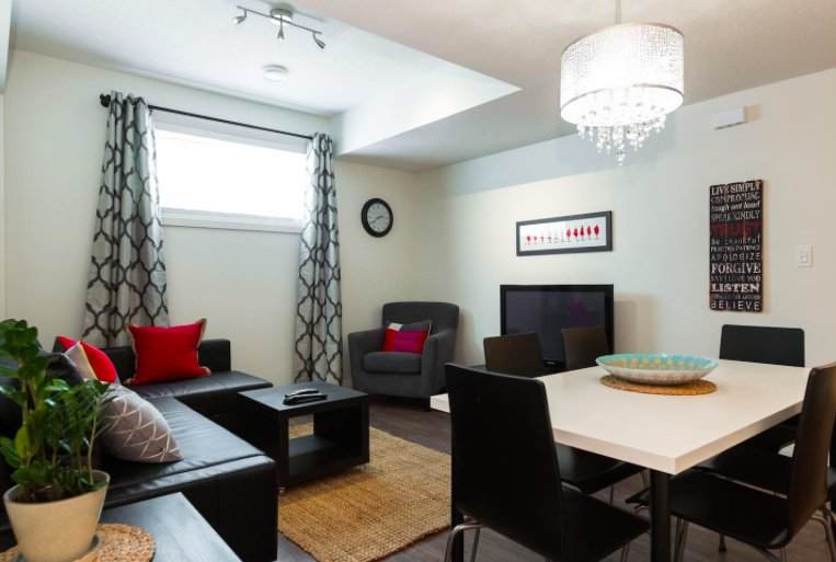 Heartbeat Suite - Luxury private 2 bedrooms suite, Ferienwohnung in Leduc