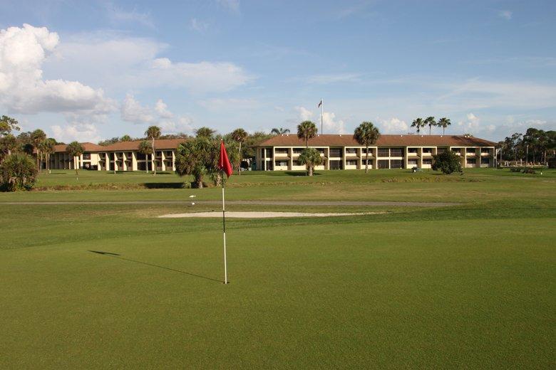 Lehigh Resort Club, FL: 1-BR, Sleeps 5, with Full Kitchen, vacation rental in Lehigh