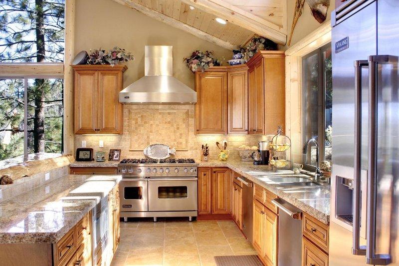 Spacious chef's kitchen