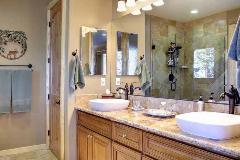 double sink in master bathroom
