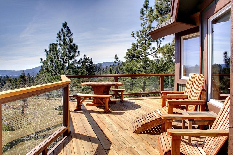 Large Wrap-around Deck with Direct Views of Ski Slopes and Lake