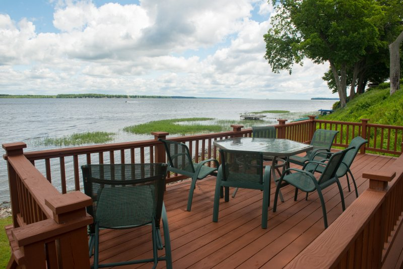 More outdoor seating to dine by the lake.
