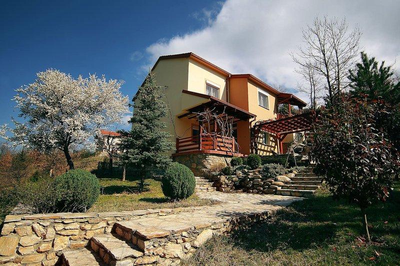 Villa Kirjana,  Prespa Lake, Pretor, casa vacanza a Bitola