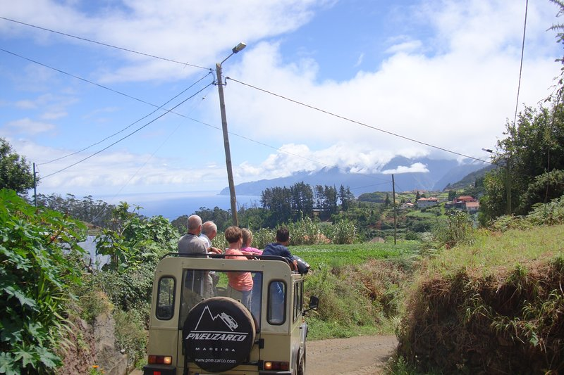 jeep tour en jeep UMM clásico convertible con mi marido Miguek