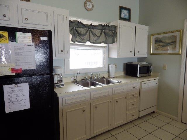 Fridge,Refrigerator,Oven,Indoors,Kitchen