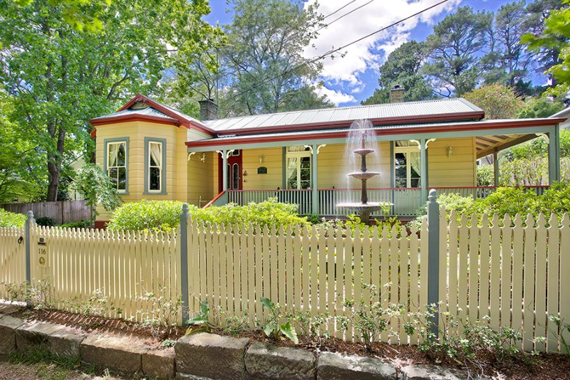 Wentworth Cottage Historic Luxury and Opulance