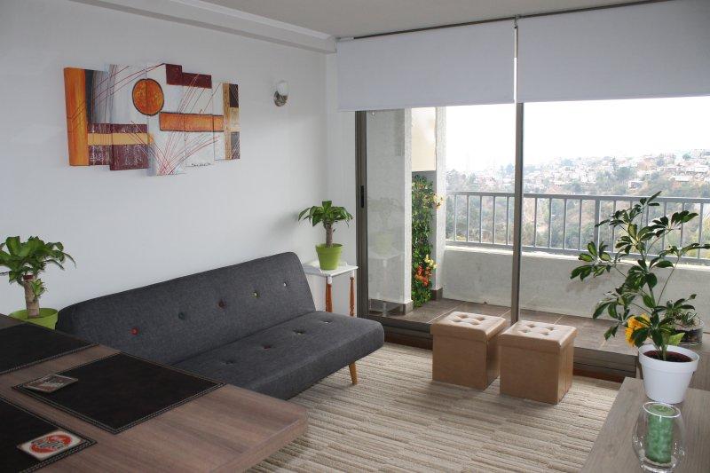 Acogedor departamento nuevo en Valparaíso con Netflix y Estacionamiento, holiday rental in Valparaiso Region