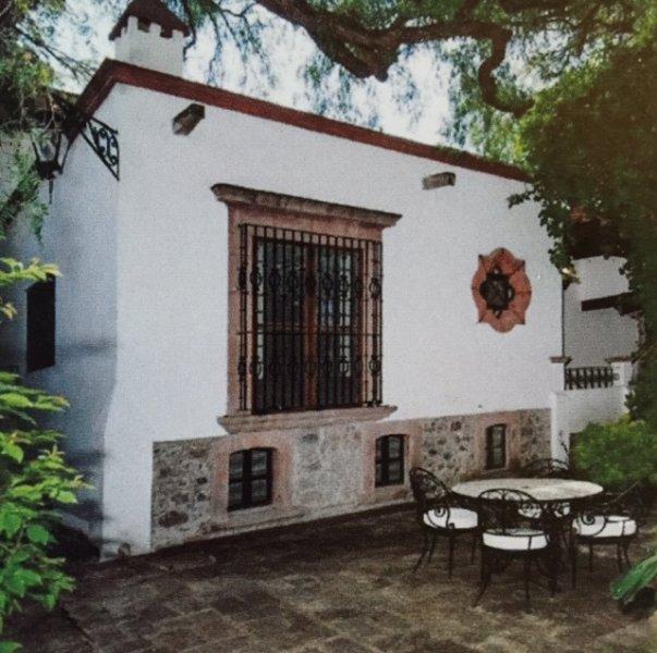 Casa Maxim Pilancon private home located in the historic center, holiday rental in El Santuario