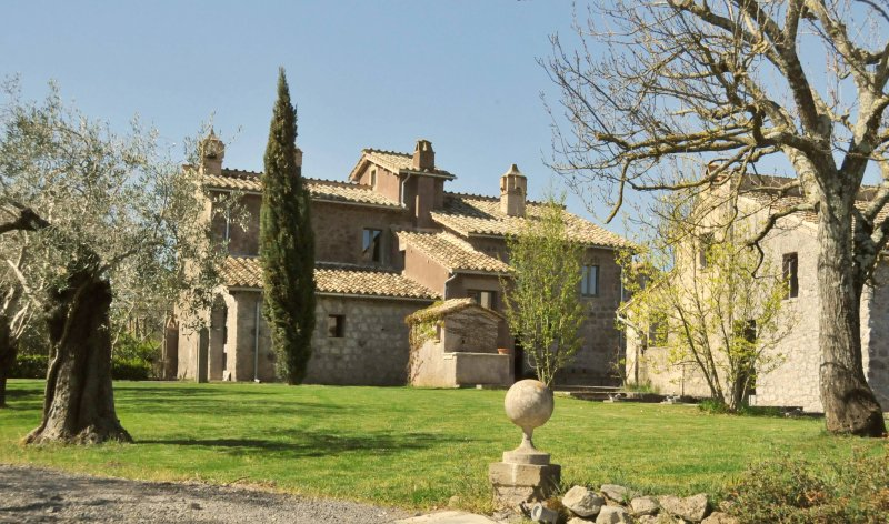 SOPHISTICATED COTTAGE ROME NORTH, vacation rental in Caprarola