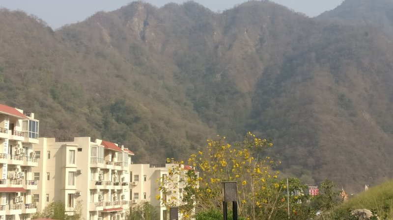 studio apartment beside river ganga, vacation rental in Shivpuri