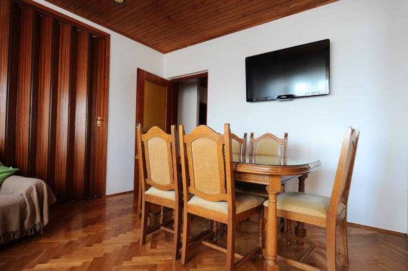 Apartment Lana and Tia, vacation rental in Kastel Kambelovac