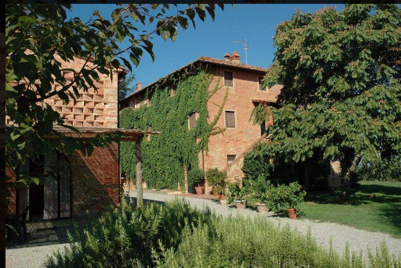 Il Gelso - Appartamento in antico casolare del'500 - Podere San Giorgio, casa vacanza a Palaia