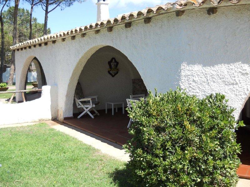 villa Stefania near the sandy beach, alquiler vacacional en Torre delle Stelle