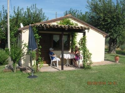 Ruhe und Erholung im separaten Ferienhäuschen, location de vacances à Fratte Rosa