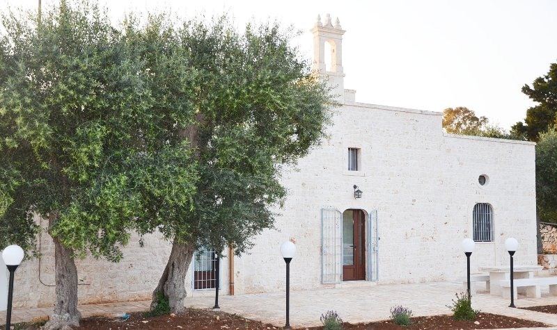 Beautiful villa in a panoramic area with 10 sleeps, holiday rental in Monopoli
