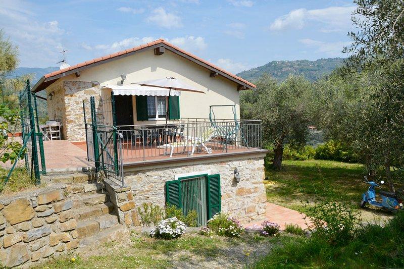 casa delle olive con piscina Codice Citra 008029-LT-0058, location de vacances à Isolabona