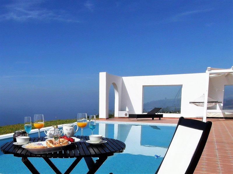 Nido de Águila 'Cerro del Pozo' - Amanecer : vistas espectaculares al Mar, holiday rental in Adra