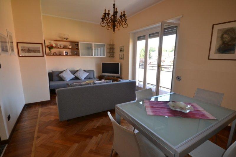 Magenta Apartment, casa vacanza a Barasso