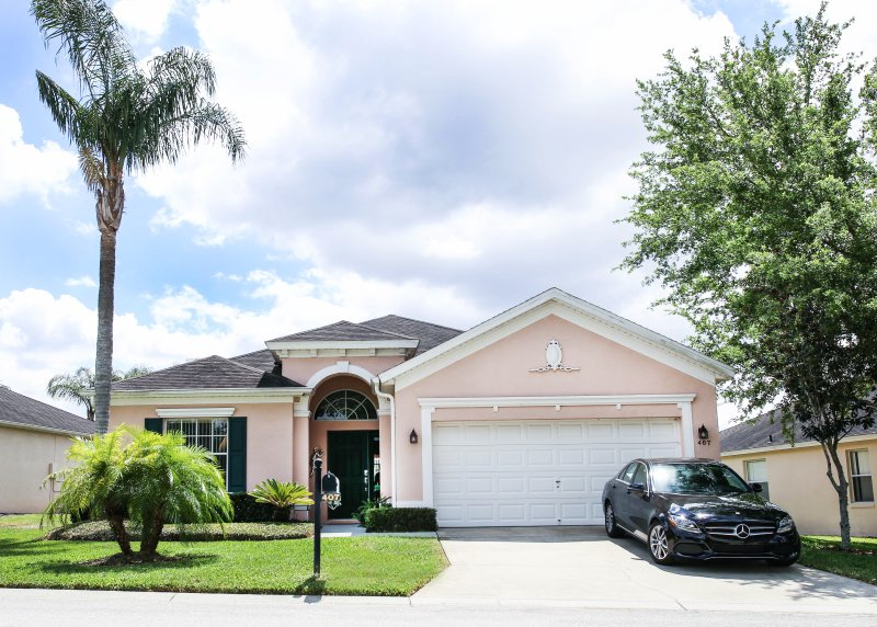 Large 3 Bedroom Home in Florida- 15 min to disney, vacation rental in Davenport