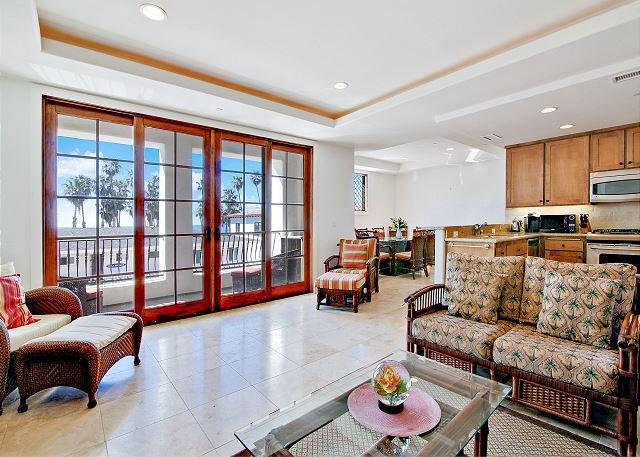 Condo on the Coast w/ Balcony Over San Clemente Beach, vacation rental in San Onofre